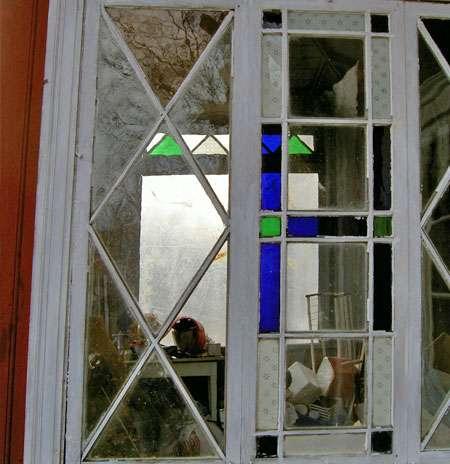Färgat munblåst glas till veranda.