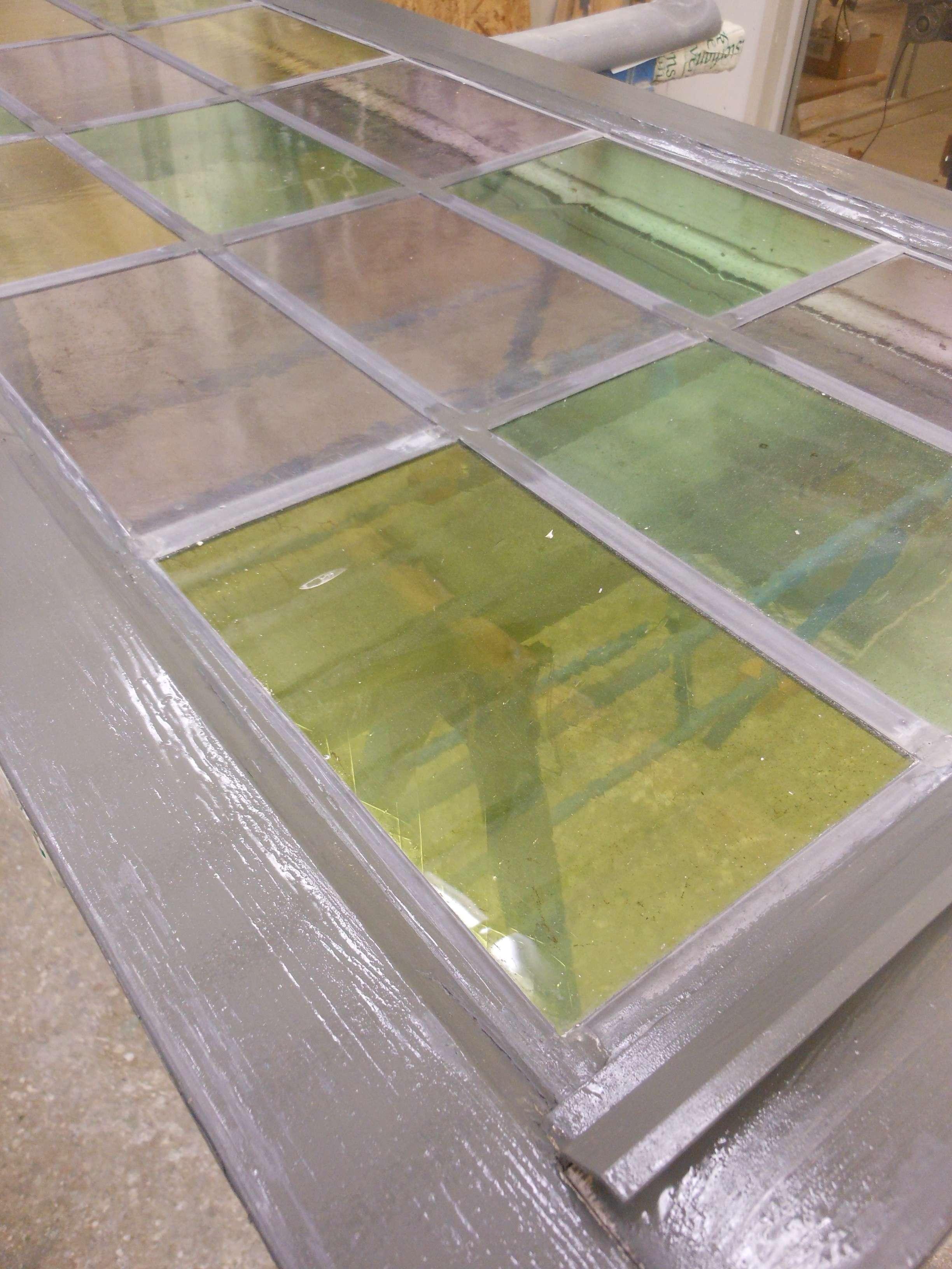 Färgat fönsterglas