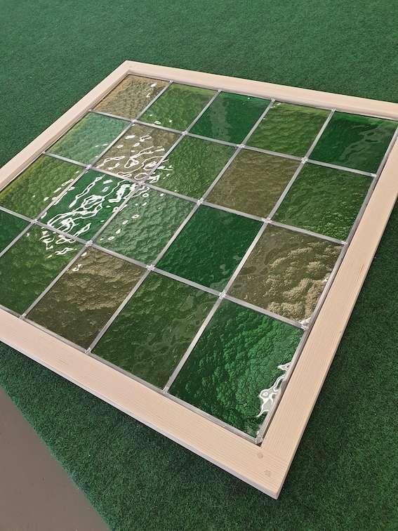 Vi tillverkar ett blyinfattat fönster till en gästtoalett i Solna